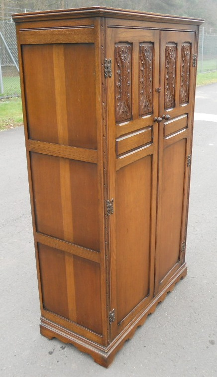 Small Carved Oak Fitted Wardrobe By Wood Bros